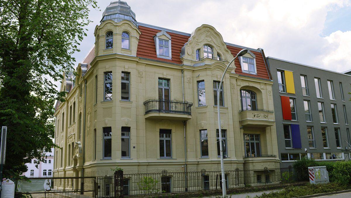 Karl-Liebknecht-Straße 30