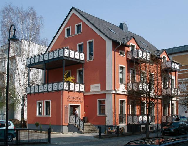 Wohn- und Geschäftshaus Annenstraße 1