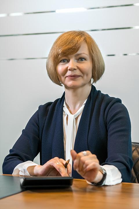 VIKTORIA VOLLMER-SHUKOW